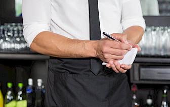 10 navika koje razlikuju profesionalne od prosječnih konobara