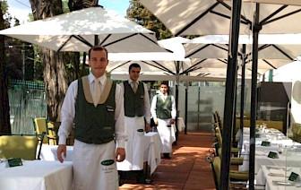 AUSTRIJSKA PRAVILA ZA RESTORANE Metar razmaka među stolovima, četvero gostiju za stolom, otvoreni do 23 sata