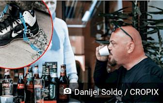 'OVO JE ZNAK DA SE ŽIVOT VRAĆA' Hrvati ponovno uživaju u jutarnjim kavama i novinama, dvojac iz Slavonskog Broda zavezao se lancima u omiljenom kafiću
